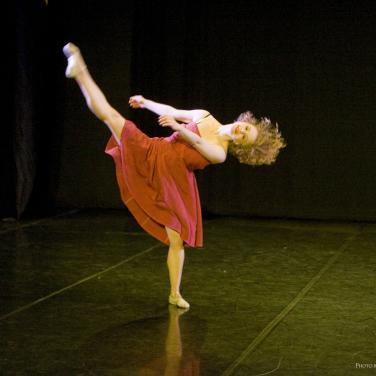 Contrapose Dance
